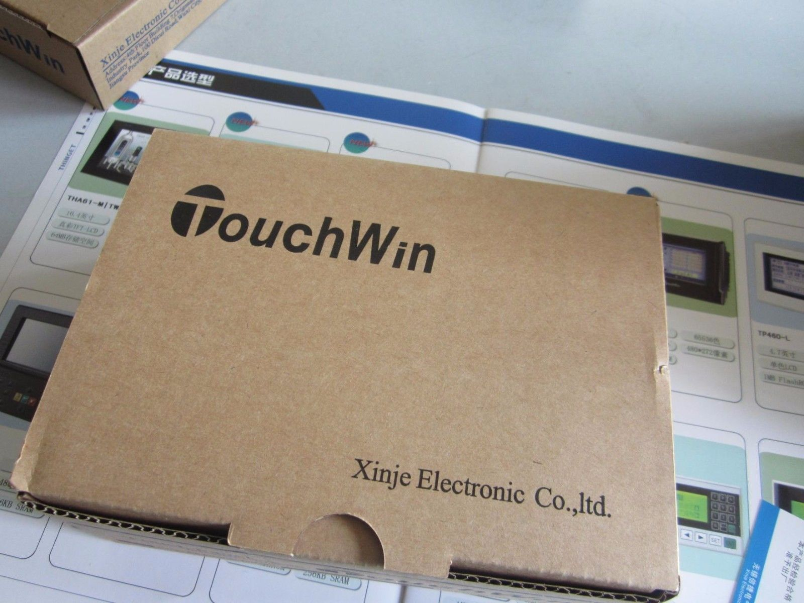 TH465-MT XINJE Touchwin HMI Touch Screen 4.3 inch with program cable new