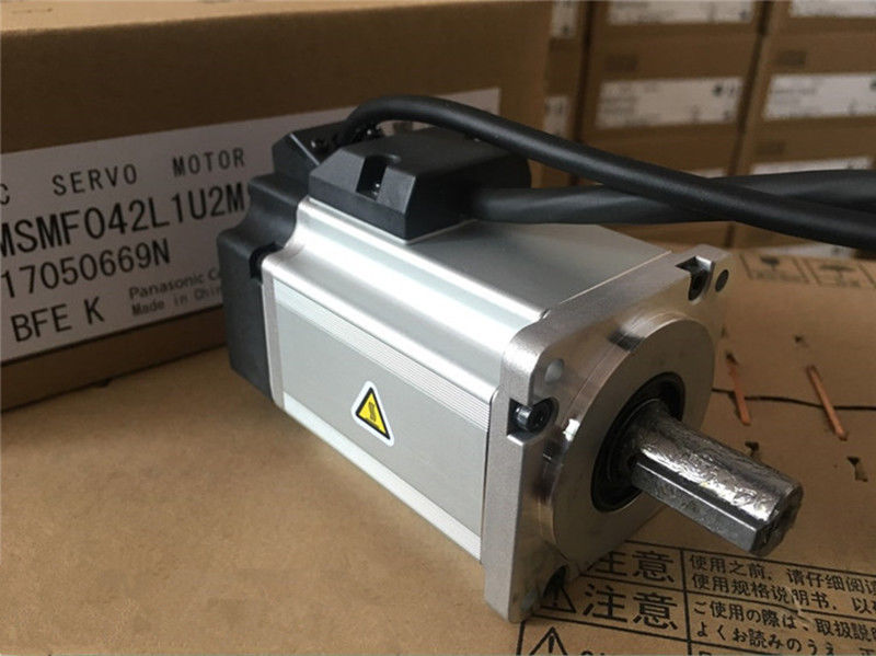 MSMF042L1U2M AC Servo motor 60mm 400w 3000rpm 1.27Nm
