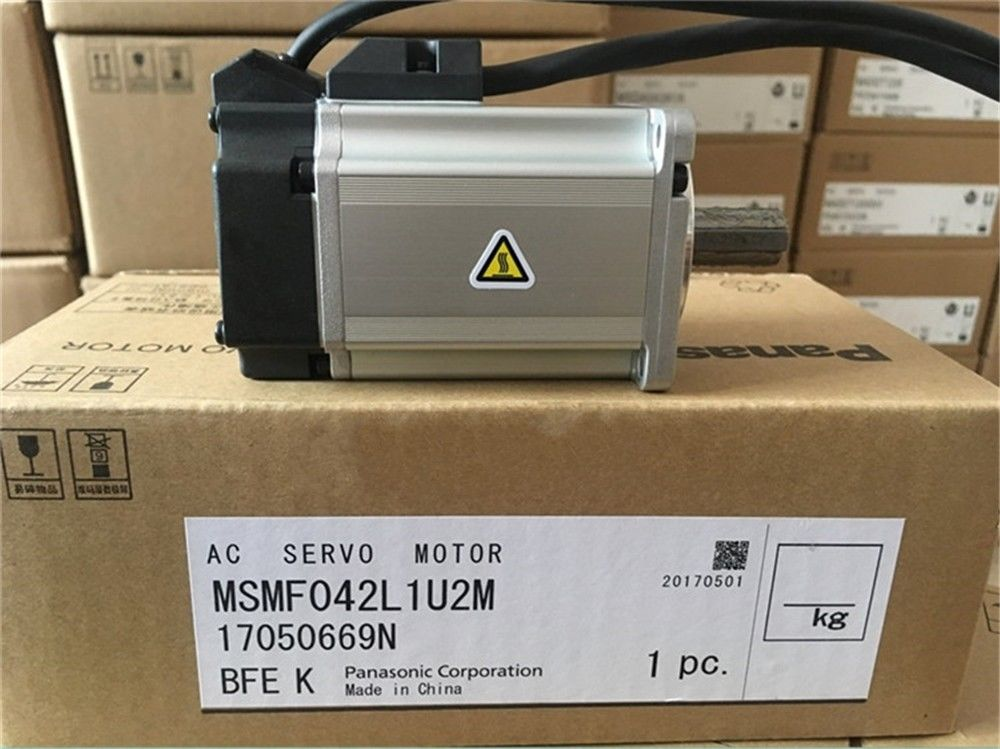100% NEW PANASONIC AC Servo Motor MSMF042L1U2M in box