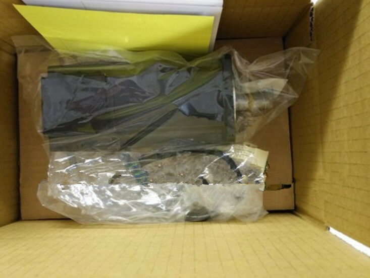 YASKAWA AC SERVO MOTOR SGM-02U2HA12 SGM02U2HA12 NEW EXPEDITED SHIPPING