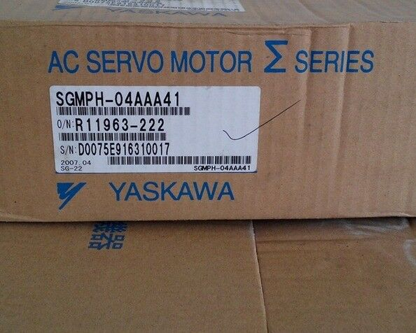 NEW ORIGINAL YASKAWA AC SERVO MOTOR SGMPH-04AAA41 EXPEDITED SHIPPING