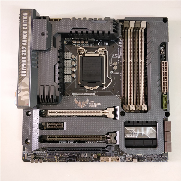 New ASUS GRYPHON Z97 ARMOR EDITION Intel Z97 LGA1150 HDMI DVI DP Motherboard