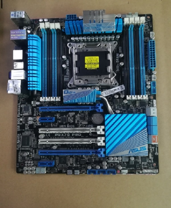 ASUS P9X79 PRO Chipset Intel X79 LGA2011 DDR3 Motherboard