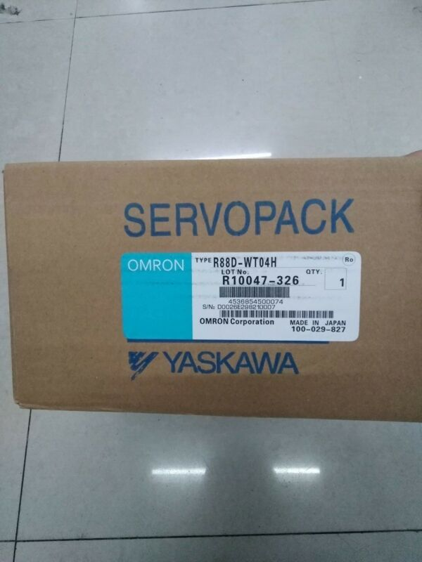 Omron Yaskawa R88D-WT04H R88DWT04H NEW SEALED