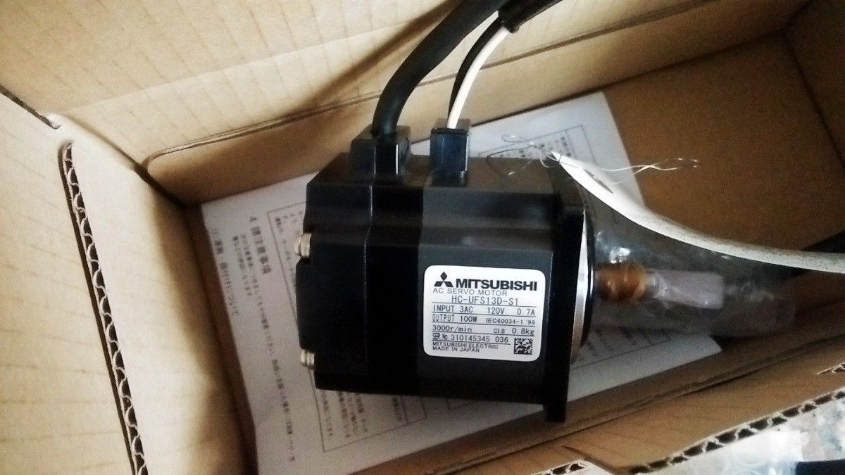 NEW Mitsubishi Servo Motor HC-UFS13D-S1 in box HCUFS13DS1