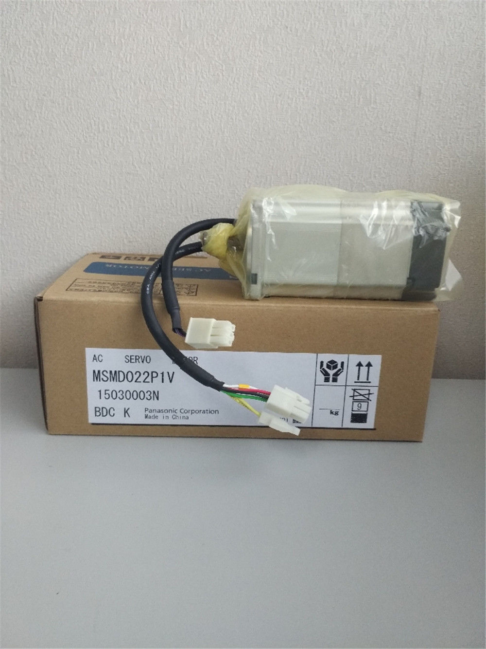 NEW PANASONIC AC servo motor MSMD022P1V in box