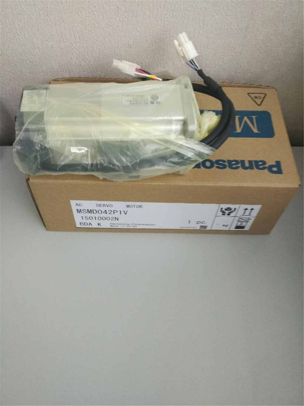 100% NEW PANASONIC AC Servo motor MSMD042P1V in box
