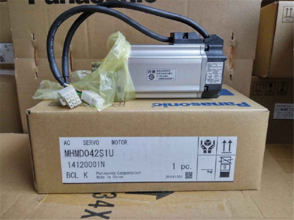 Brand NEW PANASONIC servo motor MHMD042S1U in box