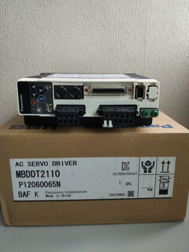 100% NEW PANASONIC Servo drive MBDDT2110 in box