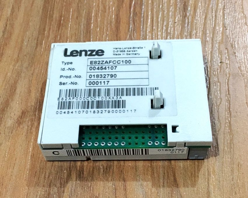 Free shipping Genuine Lenze INVERTER E82ZAFCC100 CAN PT in NEW box