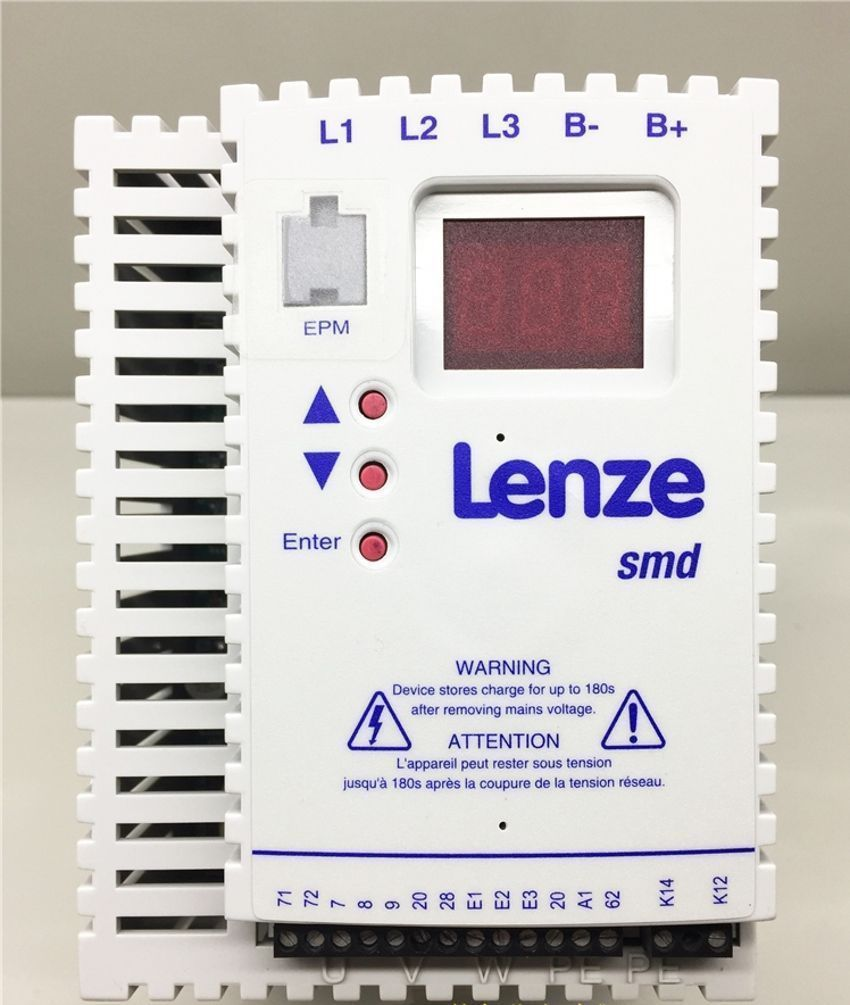 Genuine Lenze SMD Inverter 0.75KW ESMD751L4TXA 3/PE AC in new box